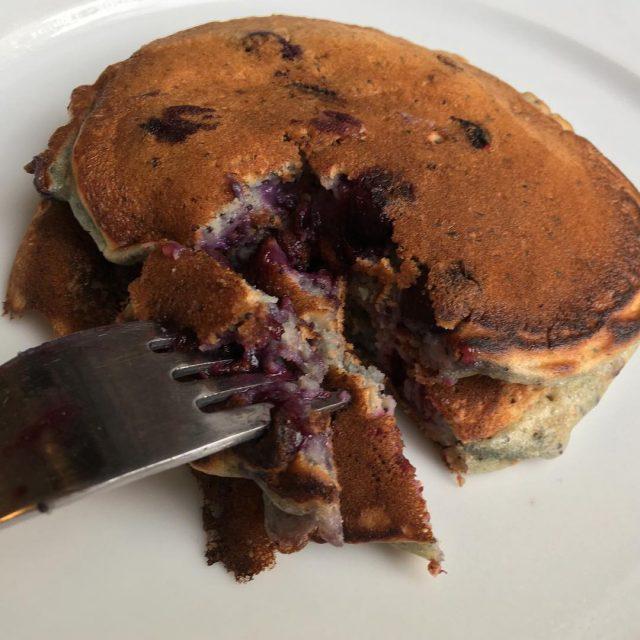 Blueberry pancakes anyone? blueberrypancakes histaminefriendly blueberries pancakes itsapancakekindofday histamineintolerance lowhistamine