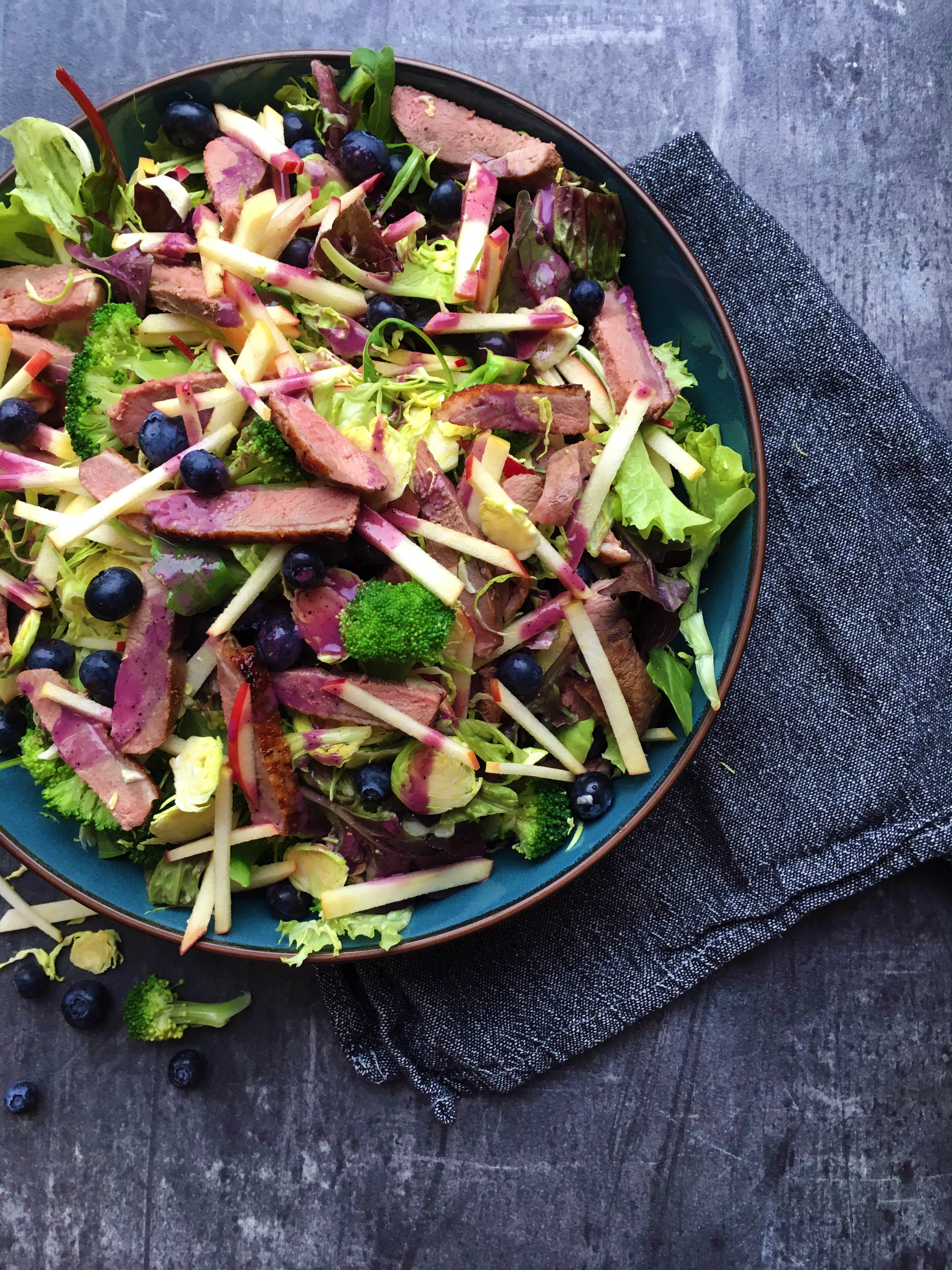 Histamine Friendly Blueberry Duck Salad with Blueberry Salad Dressing