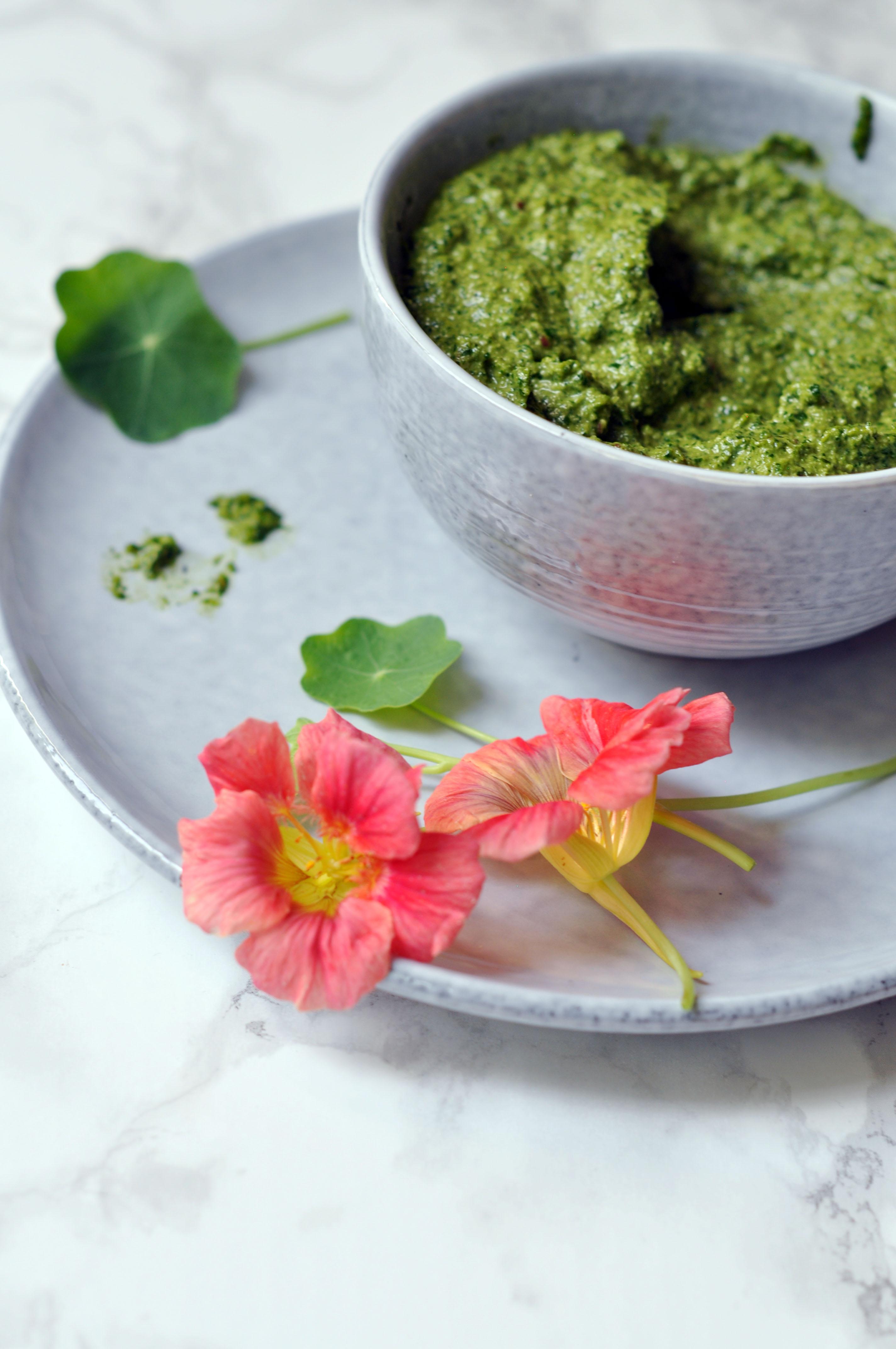 Anti-Inflammatory Nasturtium Pesto and Nasturtium Flowers